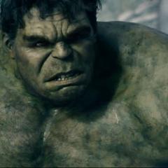 Hulk tras destruir los tanques y búnkers de HYDRA.