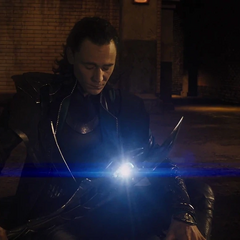 Loki a punto de comunicarse con El Otro.