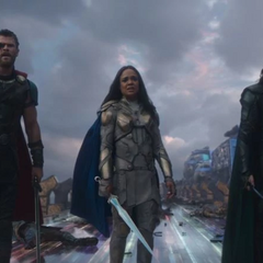 Loki, Thor y Brunnhilde son confrontados por Hela.