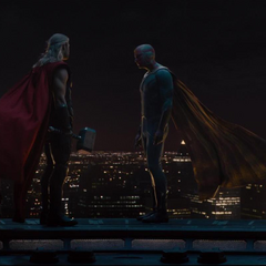 Visión y Thor antes de ir a Sokovia.
