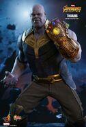 Thanos Hot Toys 12