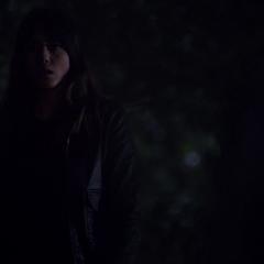 Skye tras presenciar el asesinato de Raina.