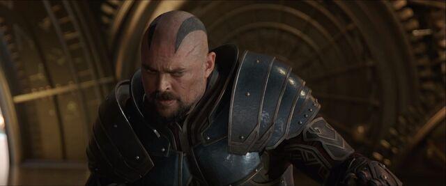 File:Thor Ragnarok 109.jpg