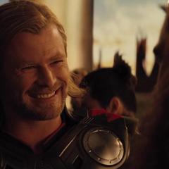 Thor recluta a Sif y a los Tres Guerreros.