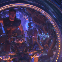 Rocket llega con Thor y Groot a Nidavelir.