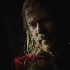 Thor en la cueva con Foster.