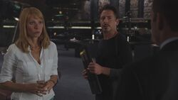 Pepper-Potts-Tony-Stark-Avengers