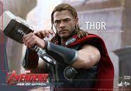 Thor AOU Hot Toys 4