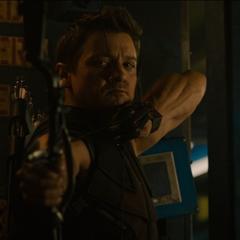 Barton lucha contra los mercenarios.
