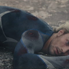 Pietro cae muerto.