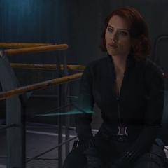 Romanoff intenta sacar información interrogando a Loki.