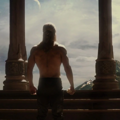 Thor a punto de ir a la celebración.