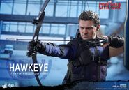 Hawkeye Civil War Hot Toys 14
