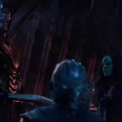 Thanos decide llevar a Nebula al Santuario II.