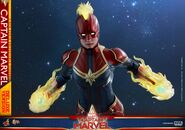Captain Marvel Hot Toys 1