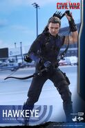 Hawkeye Civil War Hot Toys 10