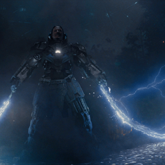 Vanko llega para luchar contra Stark.