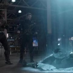 Romanoff, Rogers y Wilson vencen a la Orden Oscura.