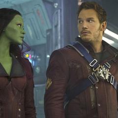Gamora y Quill con sus nuevos uniformes.