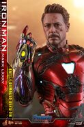 I am Iron Man Hot Toys 10