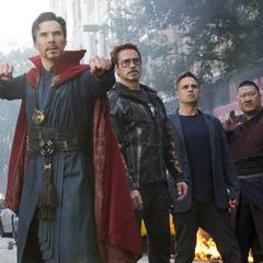 Banner se une a Stark, Strange y Wong para detener a la Orden Oscura.