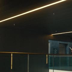 Fury le dice a Romanoff que Banner está bien.