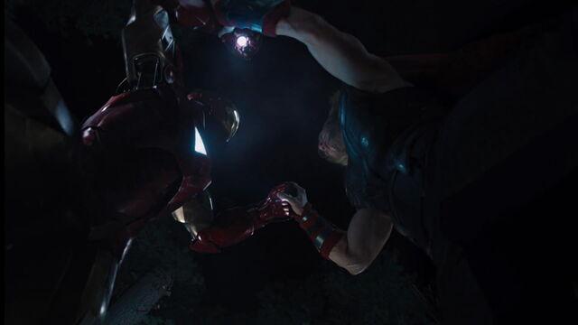 File:IronMan-vs-Thor.jpg