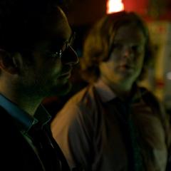 Murdock y Nelson se informan de una masacre.