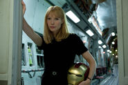 Pepper-Potts-Iron-Man-Helmet