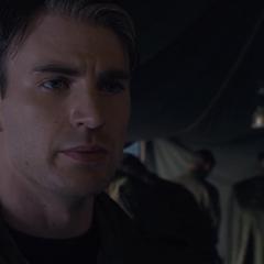 Rogers decide ir a rescatar a los prisioneros.