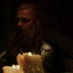 Volstagg le pregunta a Thor cómo escapará.