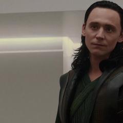 Loki rechaza los consejos de Frigga.
