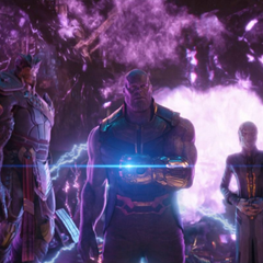Thanos se transporta con la Orden Oscura al Santuario II.