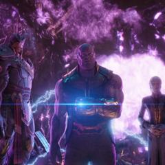 Thanos y sus hijos abandonan la <i>Statesman</i>.