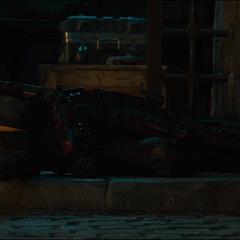 Romanoff inconsciente en la Base de Investigación de HYDRA.