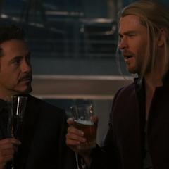 Stark discute con Thor.