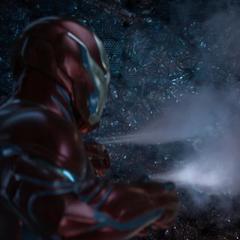 Stark cubre el agujero de la Nave-Q usando nanobots.