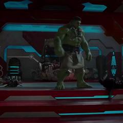 Hulk fastidia a Thor.