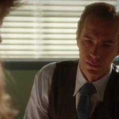 Jarvis se prepara para contarle la verdad a Ana.