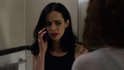 Jessica Jones - 2x09 - AKA Shark in the Bathtub, Monster in the Bed - Jessica (2)