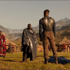 N'Jadaka llega a Wakanda con el cadáver de Klaue.