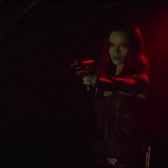 Gamora interrumpe a Nebula de 2014.