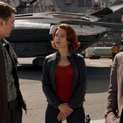 Rogers conoce a Romanoff y Banner.