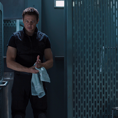 Barton decide ayudar a los Vengadores.