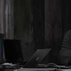 Hill y Fury hablan sobre el plan para detener el Proyecto Insight.