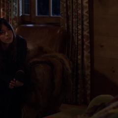 Skye habla con Gordon sobre sus poderes.