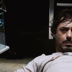 Stark recupera su viejo Reactor Arc.