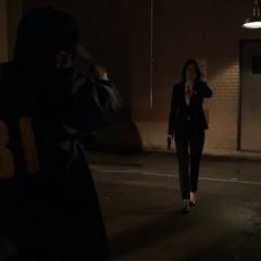Hill reprende a los agentes del FBI por haberse demorado en encontrarla.