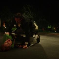 Jarvis socorre a Ana.