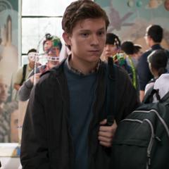 Parker vuelve a la Escuela de Ciencia y Tecnología de Midtown.